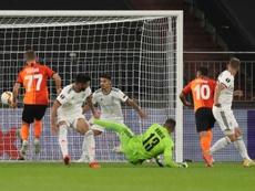 Le Shakhtar domine Bâle 4-1 et jouera l'Inter en demi-finales