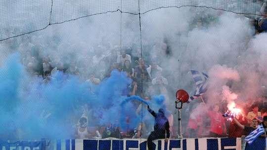 Des supporters grecs lors d'un match de qualification au Mondial 2014. AFP
