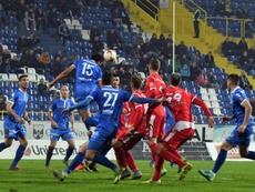 Des joueurs de Zeljeznicar en bleu, le 25 octobre 2017 face à Mladost à Sarajevo. AFP