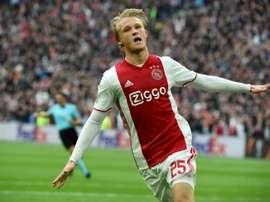 Dolberg tiró de un Ajax sin De Jong ni De Ligt. AFP