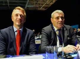 Deux membres de la délégation du Kosovo, dont le président Fadil Vokrri. AFP