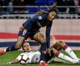 Chez les Dames, le PSG, tenu en échec, ouvre un boulevard à Lyon. afp