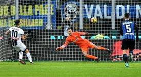 Handanovic podría perderse el encuentro ante la Juventus pese a estar disponible. AFP