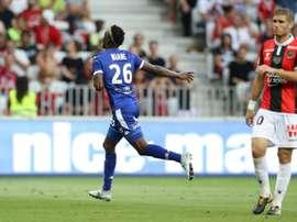 Adama Niane anotó el primero de los dos del Troyes al Niza en el Allianz Riviera. AFP