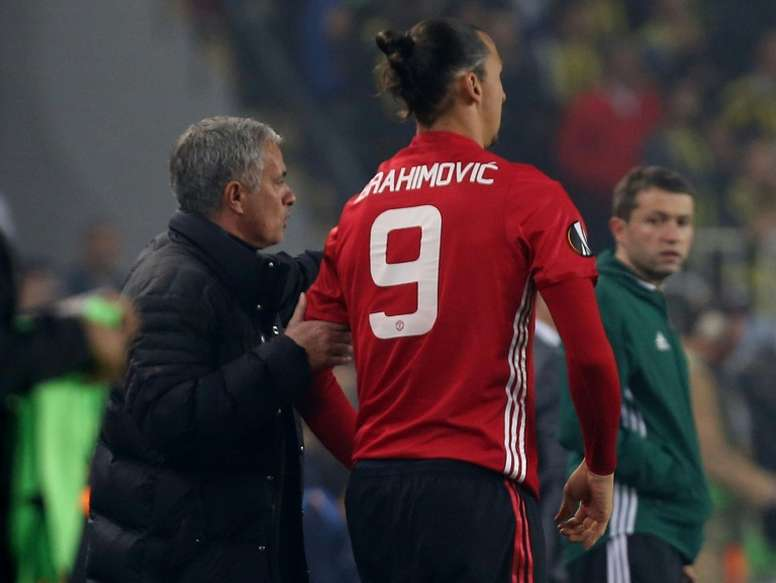 Mourinho ya sueña con un refuerzo estelar: ¡Ibrahimovic! AFP