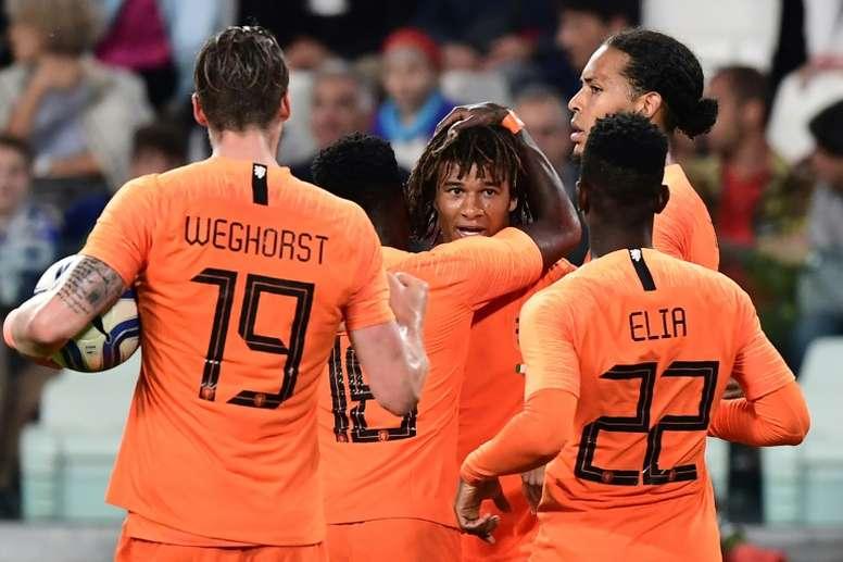 Manchester City intéressé par Aké. AFP