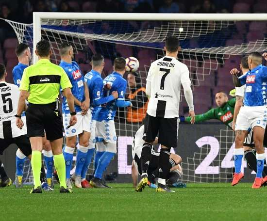 A Juventus vence o Napoli. AFP