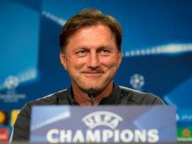 O técnico dos alemães não espera facilidades frente ao FC Porto. AFP