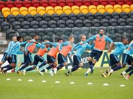 Les joueurs de l'Olympique de Marseille à l'entraînement sur la pelouse d'Ostende. AFP