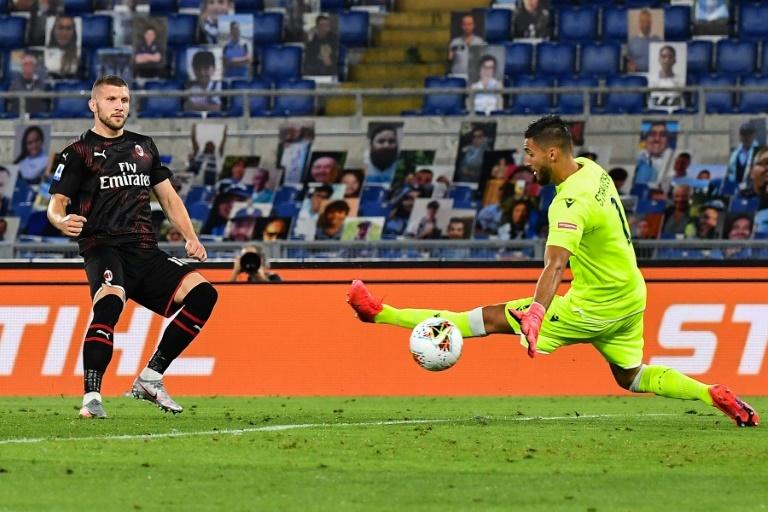 Milan plombe la Lazio — Ita