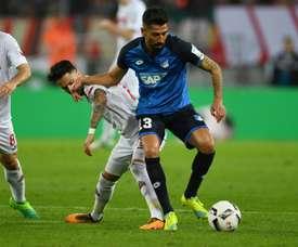 El Hoffenheim evitó caer derrotado en el minuto 90 gracias a Demirbay. AFP