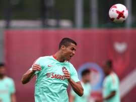 La star de l'équipe du Portugal Cristiano Ronaldo lors d'une séanced d'entraînement à Kanzan. AFP