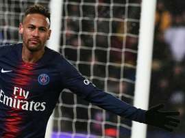 Neymar acredita estar apto antes do tempo previsto. AFP