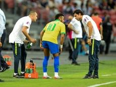 Neymar blessé à la cuisse gauche avec le Brésil. AFP