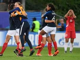 La joie des Françaises après leur victoire en quart de finale face aux Nord-Coréennes. AFP