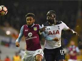 Jordan Amavi deja el Aston Villa para jugar en el Olympique de Marsella. AFP