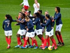 Quatre matches de qualifications des Bleues reprogrammés à l'automne. AFP