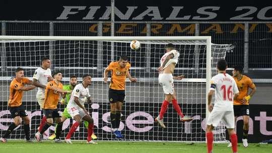 Séville bat Wolverhampton 1-0 et file en demie contre Manchester United