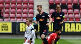 RB Leipzig vence com goleada. AFP