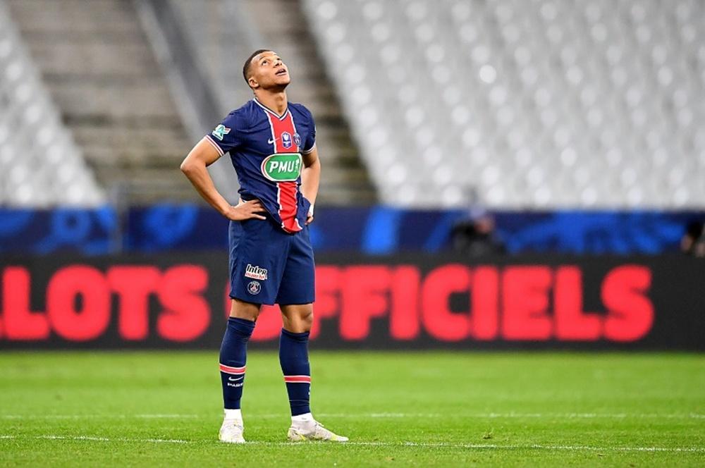 Mbappé será baja en la Supercopa de Francia. AFP