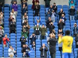 Retour des fans reporté. AFP