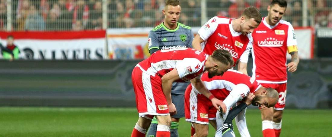 Almog Cohen, à terre, lors dun match en 2e division allemande. AFP