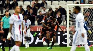 El Olympique de Lyon cayó en casa estrepitosamente. AFP
