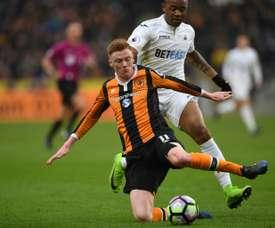 Le milieu de terrain anglais d'Hull City Sam Clucas lors d'un match contre Swansea. AFP