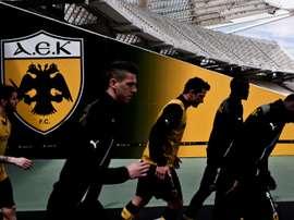 El AEK deberá afrontar la recta final de la temporada con tres puntos menos de los que suma. AFP