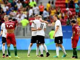 Les joueurs allemands se congratulent après leur succès en quarts de finale face au Portugal, le 13 août 2016 aux JO de Rio