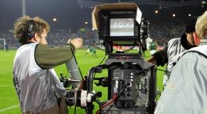 El fútbol en abierto ha barrido al 'PPV' en España esta temporada. AFP/Archivo