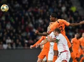 Wijnaldum marque dune reprise de la tête dans le succès des Pays-Bas. AFP
