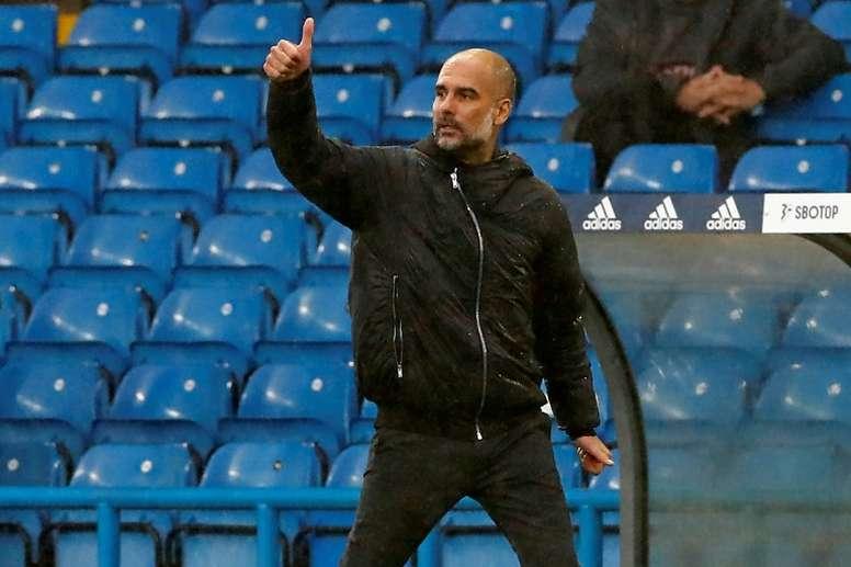 Guardiola cubrió de elogios a su homólogo del Brighton. AFP/Archivo