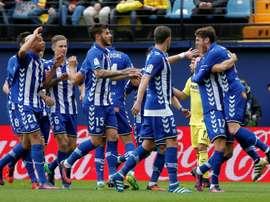 Les joueurs d'Alavès se congratulent après un but contre Villarreal, le 27 novembre 2016. AFP