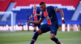 Mbappé sigue dando largas al PSG para renovar. AFP