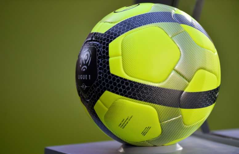 Soupçons sur un match de foot algérien. AFP