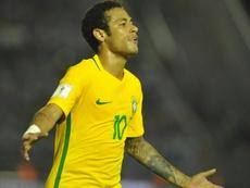 La joie de l'attaquant Neymar, auteur du 3e des 4 buts du Brésil face à lUruguay. AFP