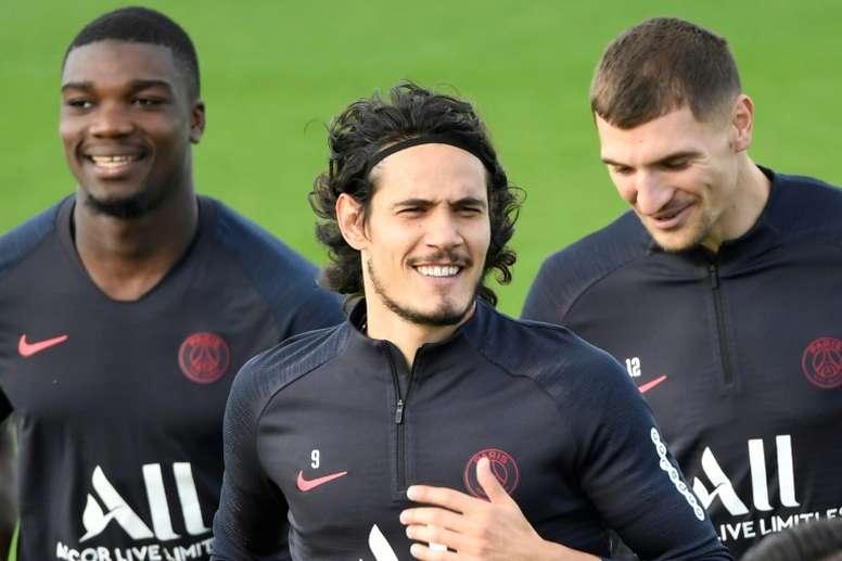 Según el club, el delantero sufre molestias. AFP