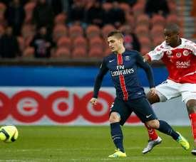 Oniangué (d) ya ha sido presentado por el Angers. AFP