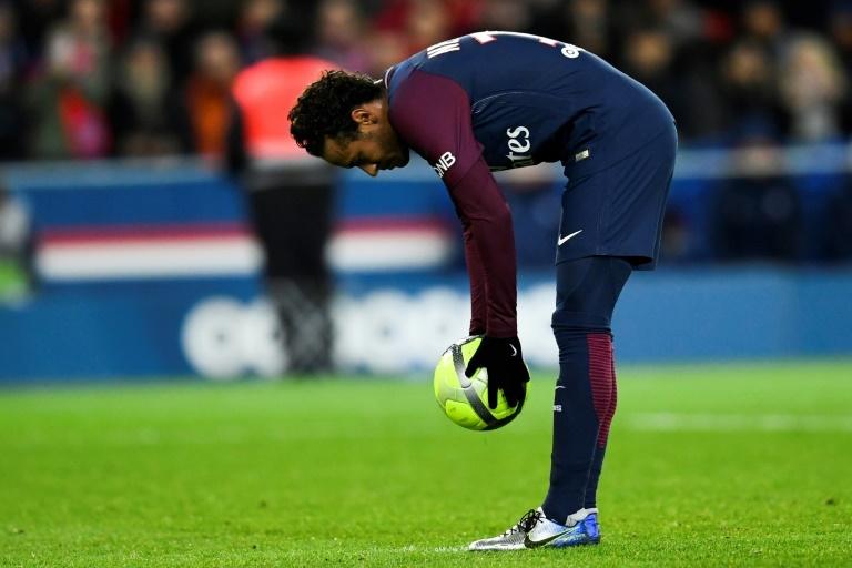 Neymar sifflé par le public malgré son quadruplé