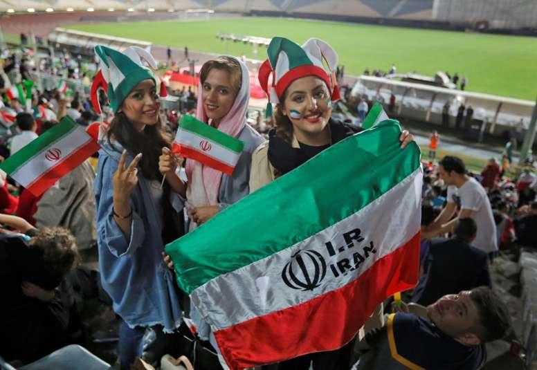 Une délégation de la Fifa en Iran. AFP