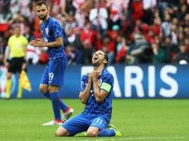 Le capitaine de la Croatie Darijo Srna, crie lors du match entre son équipe et la Turquie au Parc des Princes à Paris, le 12 juin 2016