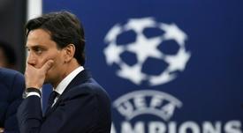 Montella, en la cuerda floja. AFP