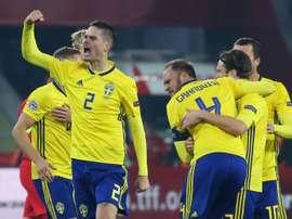 Granqvist le dio el triunfo a Suecia de penalti en el minuto 71. AFP