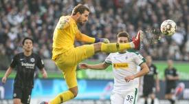 El Eintracht de Frankfurt dejó escapar dos puntos en la recta final. AFP