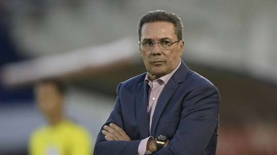 L'ex-sélectionneur du Brésil Vanderlei Luxemburgo positif au Covid-19. AFP