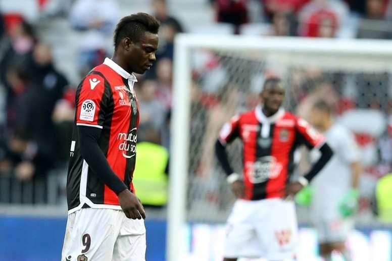 Balotelli cree que Alves debería haberse guardado su opinión. AFP