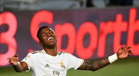 Vinicius Jr. pode ficar de fora da penúltima partida caso receba cartão contra o Granada. AFP