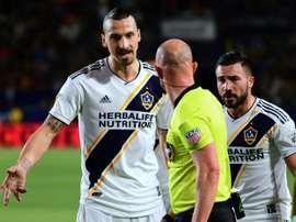 Premier rouge pour Zlatan. AFP
