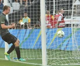 Lukas Klostermann marque face au Nigéria lors de le demi-finale du tournoi olympique. AFP
